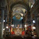 le maître autel et la nef