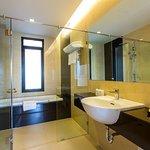 Grand City Suite Bathroom