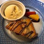 Verdens dejligste lune æblekage med lige så lækker vanille is