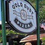 ภาพถ่ายของ Gold Dust Pizza