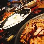 Wonderful dinner time ~ Grilled Liempo ~ yummy yummy  丰盛的晚餐里有美味的菲律宾式烤五花肉,炭烤的香气伴着香嫩可口的肉片,一口接一口的无法停止