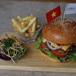 Lamenda Saigon Cafe & Restaurant照片