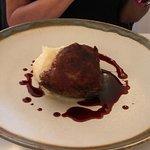 Guanciale con riduzione al vino rosso e patata montata