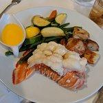Foto de Commodore Waterfront Restaurant