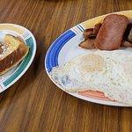Tasty Crust Restaurant照片
