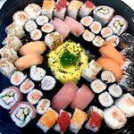 Vaschettone 🍱🔝 @chiccosushiexperience @gruppoarenadecò  Venite a gustare il nostro sushi e scegliete voi cosa e come comporre la propria vaschetta! 🍱🍣 #chiccosushiexperience #sushicatania #catania #ognina #SuperstoreDecò #ilovesushi #sushilover #sushimania #sushitime #sushilove #sushi🍣