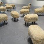 """""""Troupeau de moutons"""" (1965/79) par François-Xavier LALANNE (1927-2008) : 24 moutons dont 14 sans tête !"""