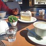 Café. Lemon pie