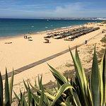 Portugal, Algarve - Gale beach is een gezellig familiestrand, 7 km ten westen van Albufeira gelegen.