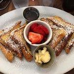 Фотография Honey Honey Cafe & Crepery