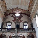 Detalhes do coro e pinturas do teto da Matriz de Nossa Senhora do Bonsucesso