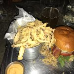 Bilde fra A&B Burgers
