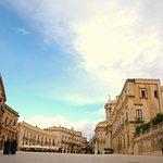 Siracusa, Piazza del DUOMOin Ortigia