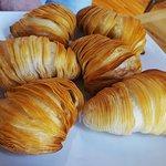 Aragosta (Postre de hojaldre para rellenar de crema o queso)
