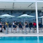 Great pool bar with food options
