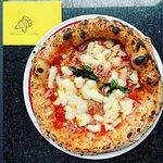 ภาพถ่ายของ La Vita è Bella & La Pizza è Bella Gourmet