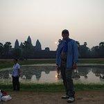 Sunrise à Angkor Wat en solitaire