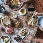 Makan siang dengan menu lokal berkualitas? Ya di Base Base Samasta. Ayo ajak teman dan keluarga untuk bersantap dengan ragam sajian rumahan ala Bali yang nikmat! Sampai jumpa! ✨🌴💕🤗 . #basebase #jimbaranfood #samastabali #balinesefood #makananbali ----- balinese restaurant Jimbaran