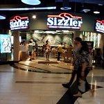 ภาพถ่ายของ Sizzler -CP Tower