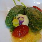 Brennesselnocken mit konfierter Tomate