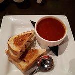 Zdjęcie Bourbon St Bar & Grill