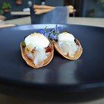 I tacos: carpaccio di luccio, lumache e gelato al sambuco