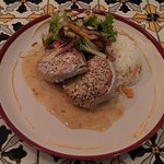 Spicy tuna - 2 steaks, with rice, beans and salad