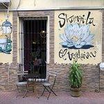 Foto de Shangri-La Vegetarian Restaurant