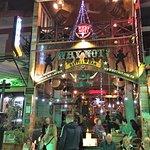 ภาพถ่ายของ Why Not Bar & Restaurant