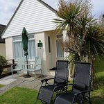 Amonite Lodges sleep 2, Luxurious Linens & Towels Included. Free on Site parking and Wifi. Well equipped kitchen/dining area. Large walk-in ensuite shower. Short stroll to Village Pub, Smugglers Bar and Eype beach. Pet friendly. Open all year round.