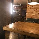 Fotografia lokality Bernie's Grill & Wine Restaurant