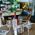 dineren aan de boomstam tafel