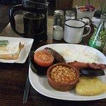 食べきれない量の朝食、シリアルも用意されています