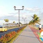 El Causeway de Amador es un lugar único en Panamá, pintoresco y hermoso que captura la atención de locales y turistas de todo el mundo que disfrutan de Panamá en vacaciones y donde encontrarán muchas actividades y lugares para disfrutar junto a familia y amigos. Encuentra aquí todo lo que te ofrece El Causeway de Amador.