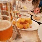 patatas bravas e birra