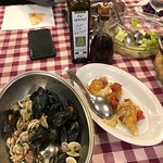 cozze e vongole preparate a parte per me (Allergica all'aglio)