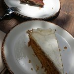 tarta de chocolate y tarta de zanahoria