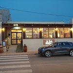 La facciata del ristorante