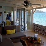 Beach House 12 numaralı oda terası