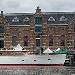 Nearby based yachtbuilder Claasen Shipyards Zaandam used the warehouse Batavia 1894 grand-café a