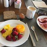 Un petit dejeuner phenomenal Bravo pour la variété et qualité des produits