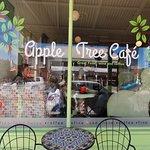 صورة فوتوغرافية لـ The Apple Tree Cafe