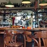 ภาพถ่ายของ Le Petit Cafe