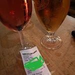 ภาพถ่ายของ Tweedies Bar