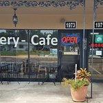 Manos Bakery Cafe