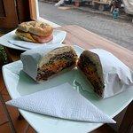 Foto de La Cosecha Coffee & Bakery