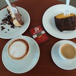 Cafés e bolos