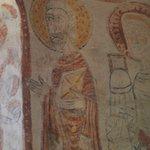 Eglise de Burnand : Le décor roman aprés restauration - Les trois apôtres