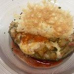 Barca di Melanzana ripiena di cotto e mozzarella con vela di cialda di parmigiano