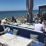 Photo de Izzy's Beach Restaurant